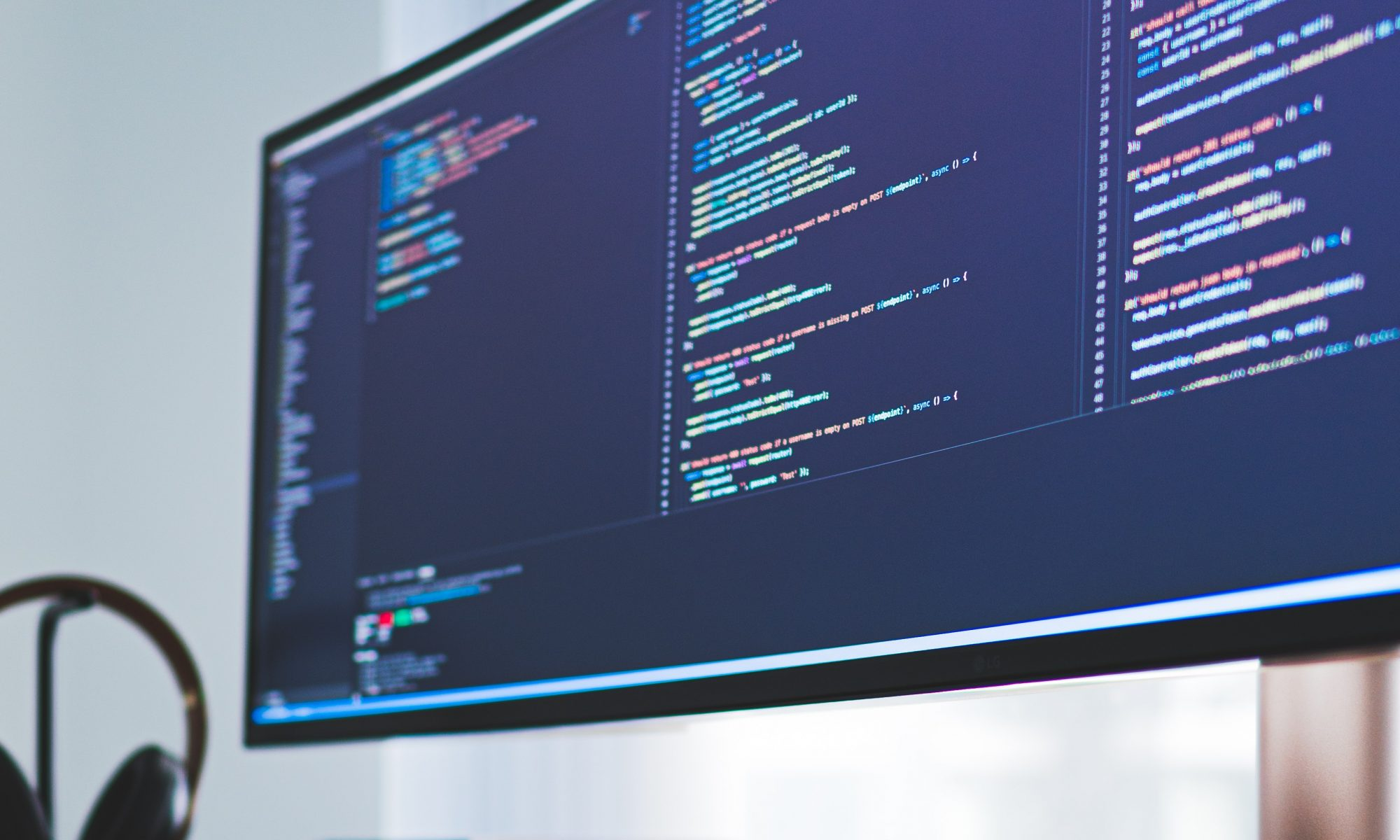 We need to identify the web development trend, approach, and techniques gaining popularity this year to focus on it in 2021.